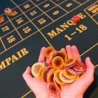 Faites sauter la banque : 5 astuces pour gagner dans les casinos en ligne